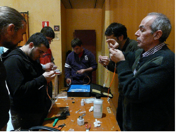 Figure 5 ? Optic Fibre Workshop at Guifi.net